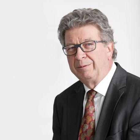Bernhard Wöbker