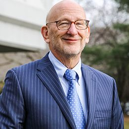 Profile photo of Ronald H. Janis, Senior Executive Vice President and General Counsel at Valley National Bank