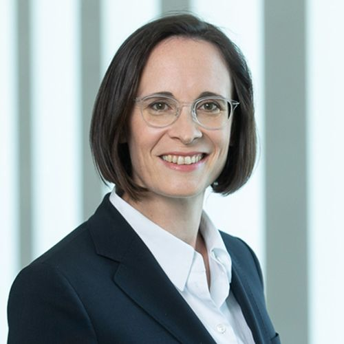 Profile photo of Birgit Dietl-Benzin, Chief Risk Officer at Dekabank Deutsche Girozentrale