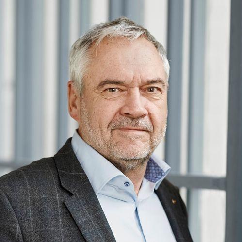 John Menå