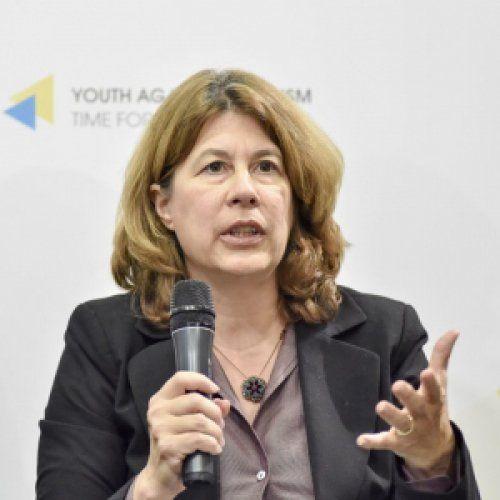 Profile photo of Lauren Van Metre, Senior Advisor for Peace, Security and Democratic Resilience at National Democratic Institute