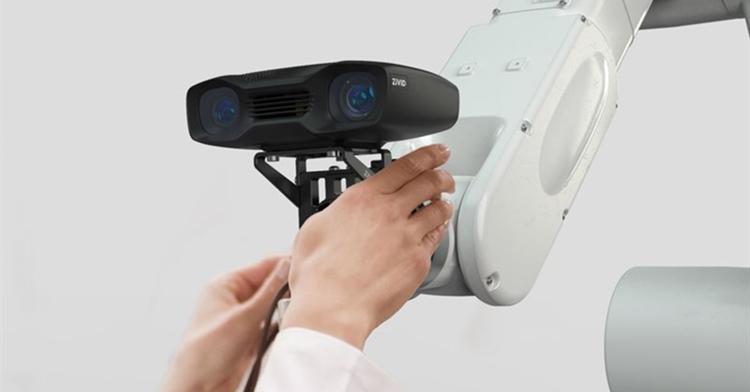 Zivid wins gold design innovators award for on-arm 3D color camera