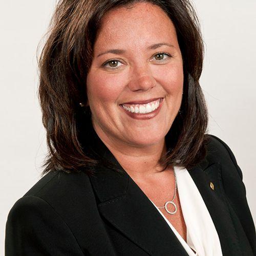 Stephanie R. Leniski