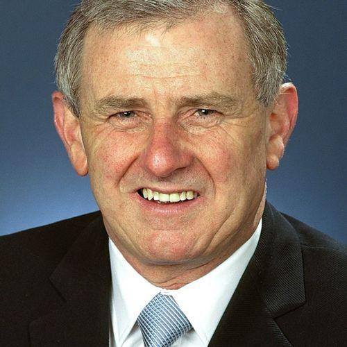Hon Simon Crean