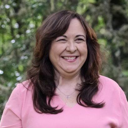 Profile photo of Leslie Kiriakos, Enrollment Advisor & Faculty at New Hope Christian College