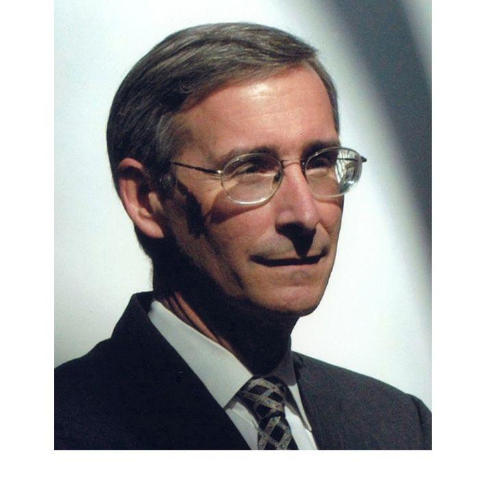 Robert R. Ruffolo