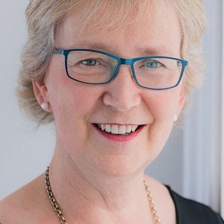 Linda Urquhart Obe