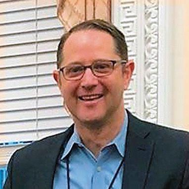 Douglas Lynn Hoelscher
