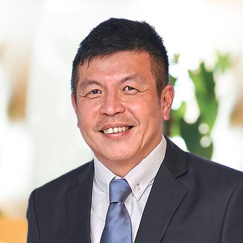Profile photo of Dennis Chia, Finance Lead at StarHub