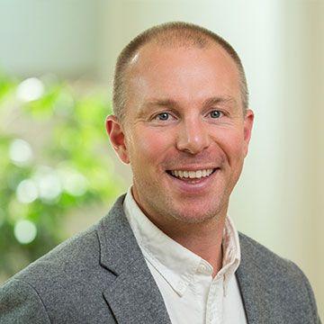 Brett Mackinnon