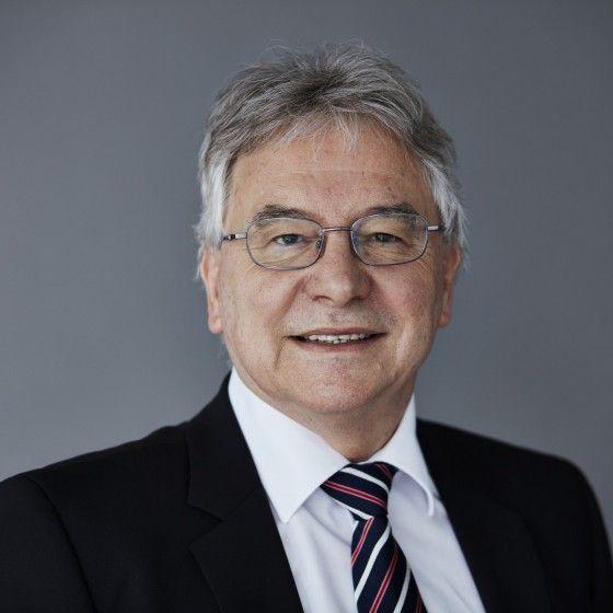 Eduard E. Holdener