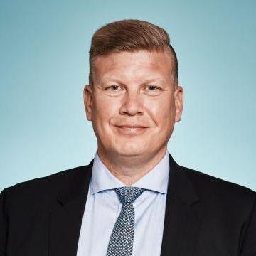 Tom Rönnlund