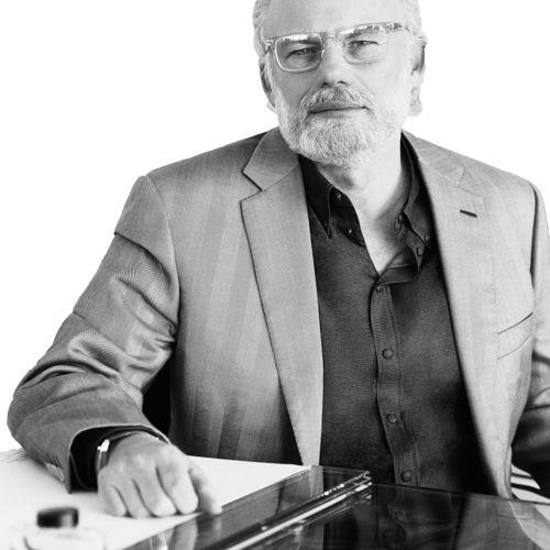 Profile photo of Gordon Bowen, Chief Creative Officer & Chairman, dentsumcgarrybowen at Dentsu International