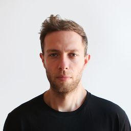 Profile photo of Aron Tzimas, Co-founder & Chief Creative Officer at Knotch